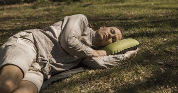 Praxistest: Das Outdoor Nackenkissen für Reisen & Camping